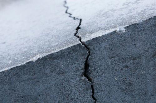 Замерз бетон: критические условия для работ и последствия