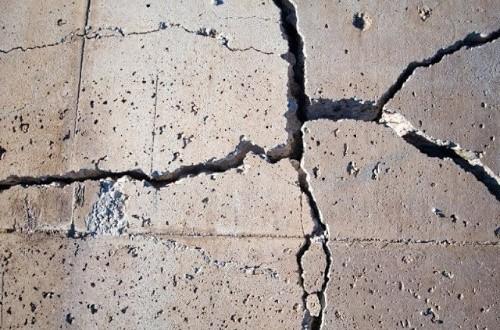 Что делать, если бетон крошится