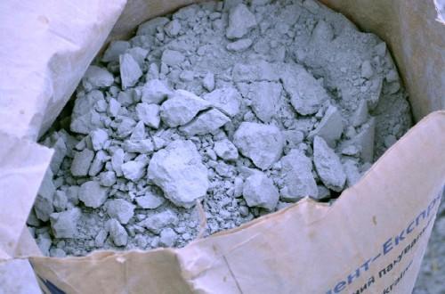 Напрягающий цемент: применение и достоинства материала