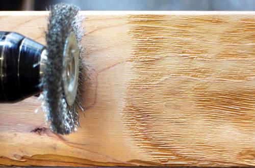 Браширование древесины: основные способы состаривания в домашних условиях